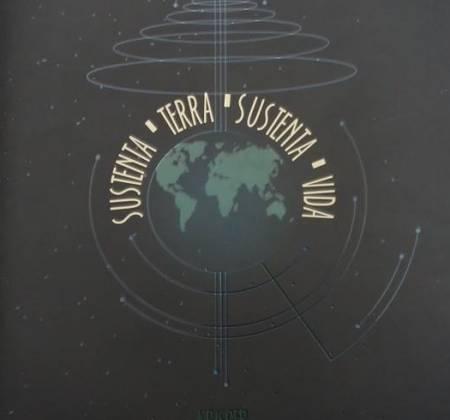 NoteBook - Planeta Terra + Sementes de Castanha, noz e avelãs