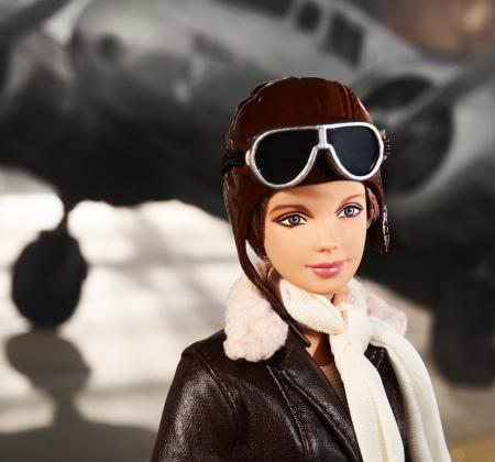 Barbie Amelia Earhart da coleção de 2018 Mulheres Inspiradoras