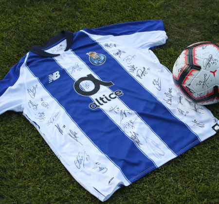 Camisola do FC Porto autografada pelo plantel - Final Four 2019