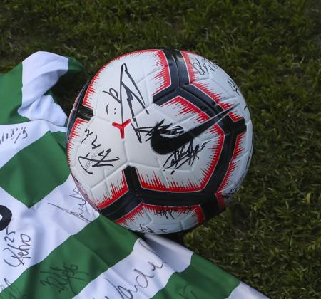 Bola Nike autografada pelo plantel Sporting CP - Final Four 2019