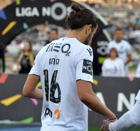 Camisola de Matheus Oliveira do Vitória SC usada em jogo