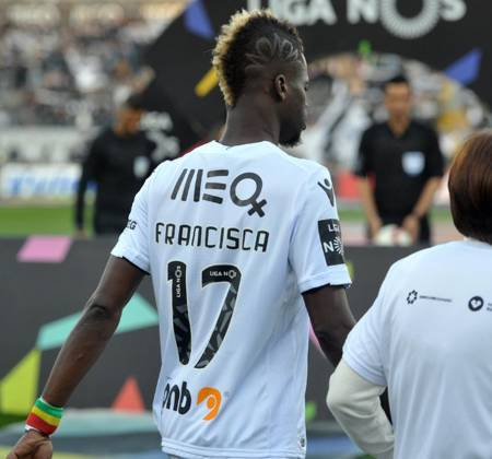 Vitória SC jersey worn by Sacko at a game