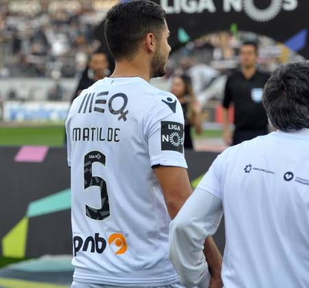 Vitória SC jersey worn by Rafa Soares at a game