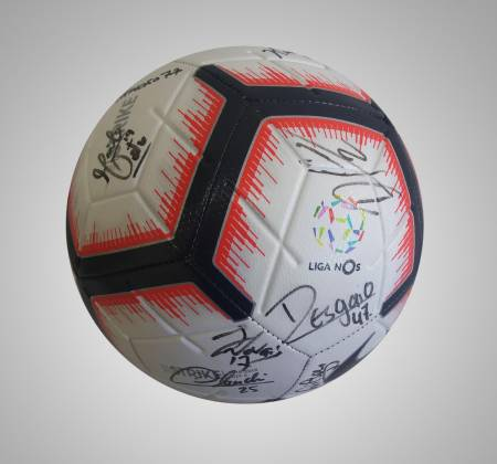 Nike Strike ball autographed by the Sporting Clube de Braga