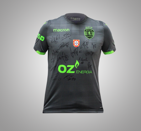Official Sporting CP jersey signed by the roller hockey squad