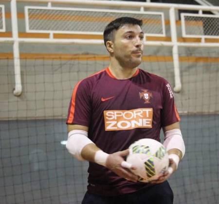 Camisola de futsal da Seleção Nacional autografada por Cristiano