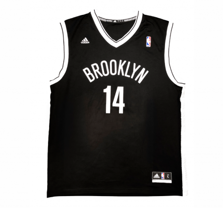 Brooklyn Nets jersey signed by Oscar Schmidt
