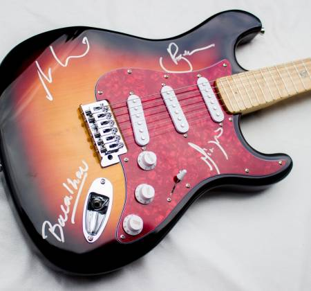 Signed Guitar by Ultraje a Rigor at Rock in Rio 2015