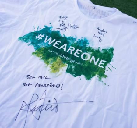 Camiseta autografada pelo Jhonny Hooker, Almério no Rock in Rio 2017