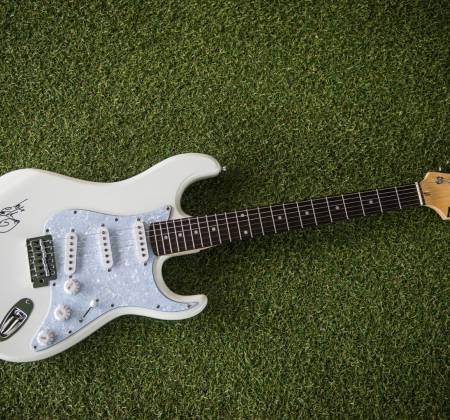 Signed Guitar by Ellie Goulding at Rock in Rio 2019