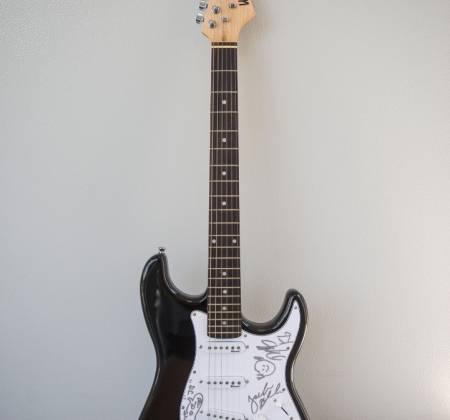 Signed Guitar by Tenacious D at Rock in Rio 2019