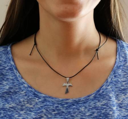 Colar de Aço Inox: Cruz de Tau