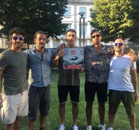 Vinyl signed by Diabo na Cruz Band