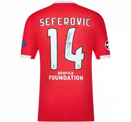 Jersey signed by Seferović from SL Benfica
