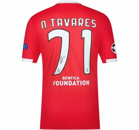 Camisola de N. Tavares autografada pelo jogador