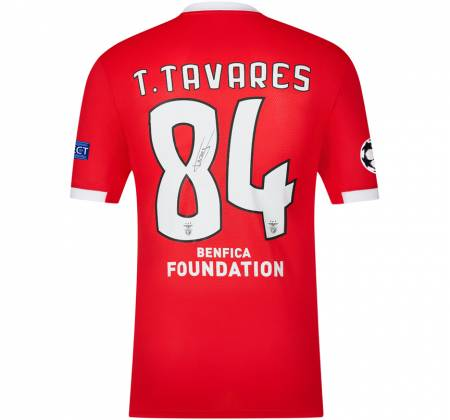 Jersey signed by T. Tavares from SL Benfica