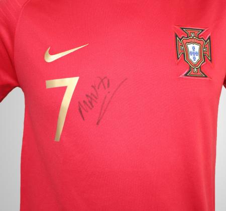 Camisola oficial de jogo de Madjer da Seleção Nacional de Portugal