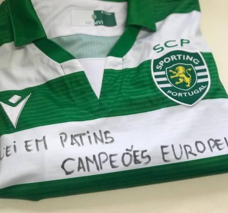 Camisola do Sporting CP autografada pelos capitães de Hóquei em Patins