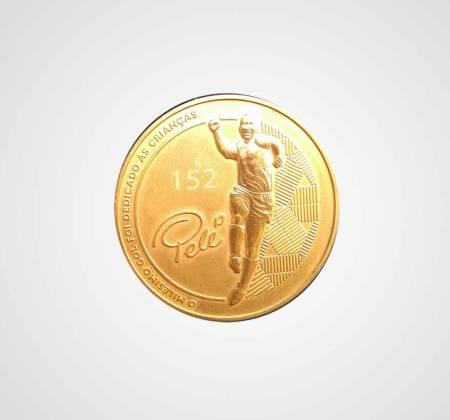 Moeda em bronze comemorativa do 152º golo de Pelé