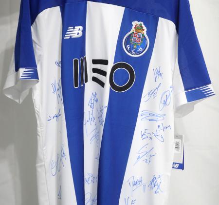 Camisola do FC Porto autografada pelo plantel - Final Four Allianz CUP 2020