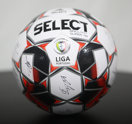 Bola Oficial Select autografada pelo plantel SC Braga - Final Four Allianz CUP 2020