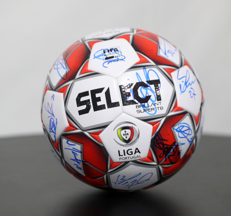 Bola Oficial Select autografada pelo plantel FC Porto - Final Four