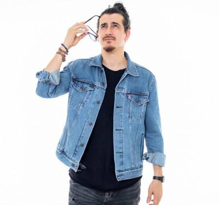 Livro + Camiseta do Comediante Afonso Padilha