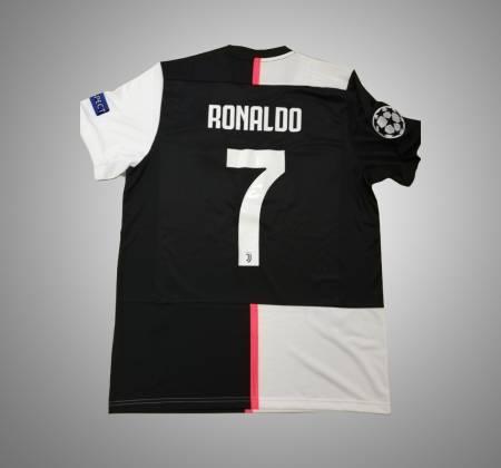 Juventus t-shirt signed by Cristiano Ronaldo