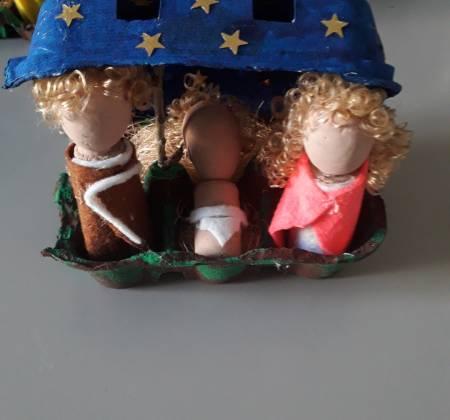 Presépio feito em caixa de Ovos