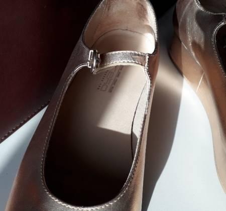 Sapatos Dourados