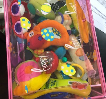 Caixa de brinquedos para bebé