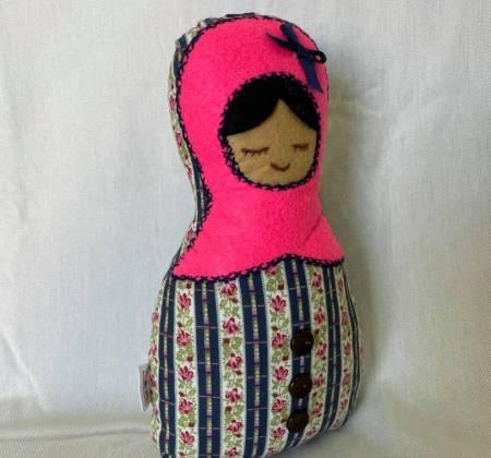 Boneca rosa