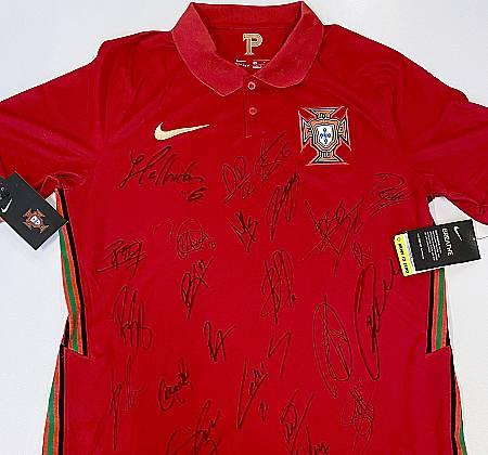 Camisola da Seleção Portuguesa de Futebol assinada pelos jogadores