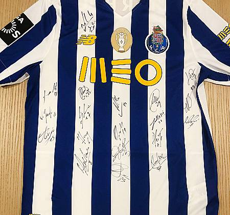 Camisola do F.C.Porto (Futebol Clube do Porto) autografada
