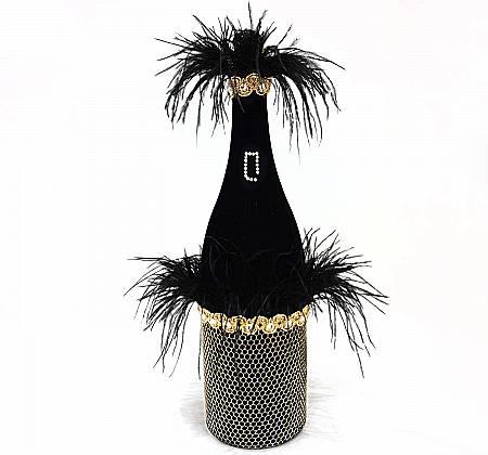 Garrafa QUINAS 3L de Extra Brut Beer vestida pelo conceituado estilista Português João Rôlo