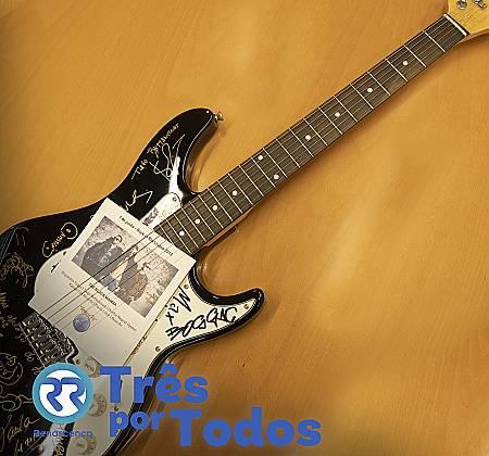 Guitarra assinada por The Black Mamba, Tiago Bettencourt, Boss AC e outros artistas Rock in Rio
